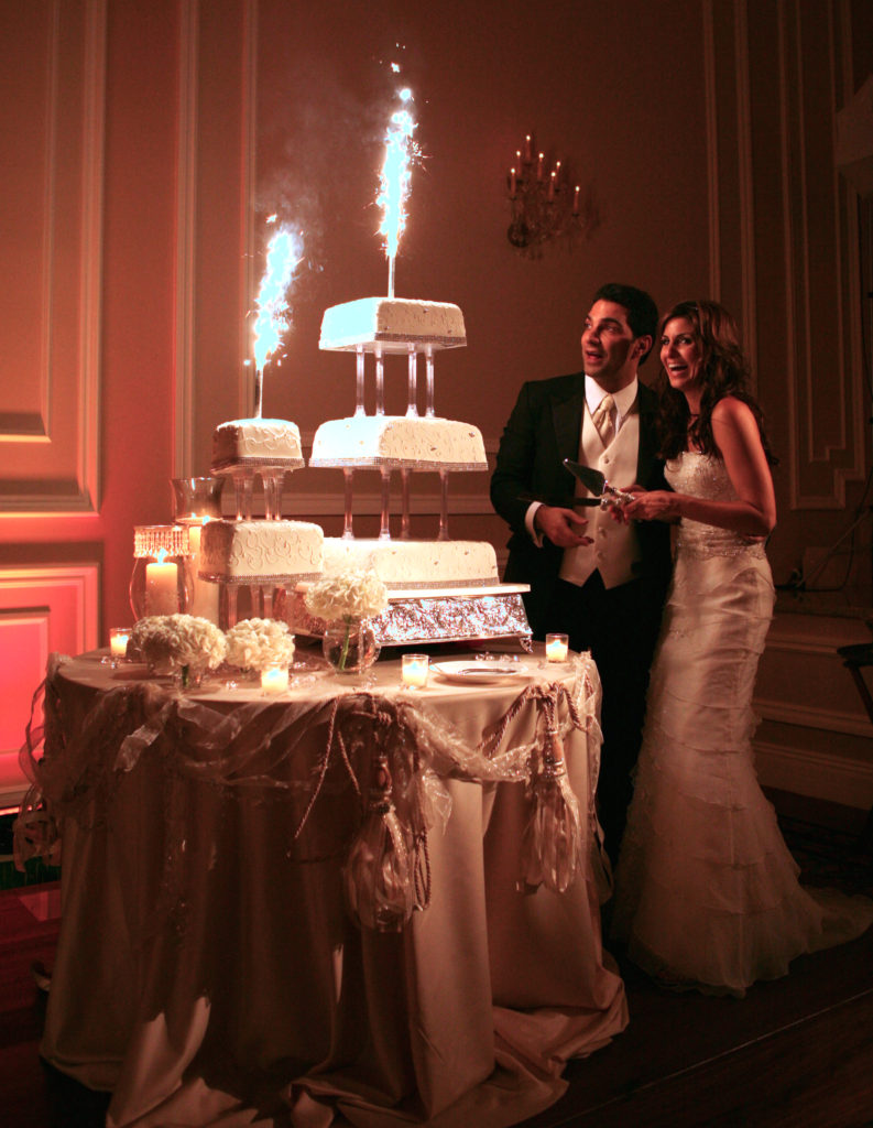 fireworks_wedding_cake