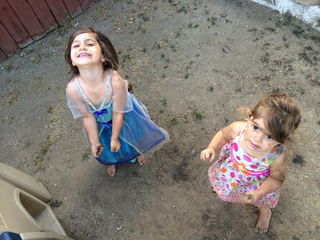 summer_toddlers_dirt