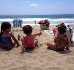 toddlers_beach_2