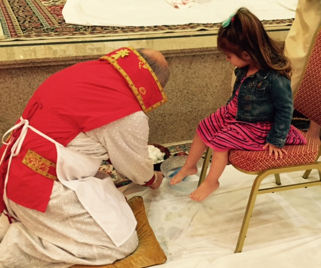 the_fab_mom_dot_com_jill_simonian_armenian_church_holy_week_feet_washing