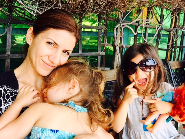 jill_simonian_the_fab_mom_dot_com_daughters_supermom_mom_life_1