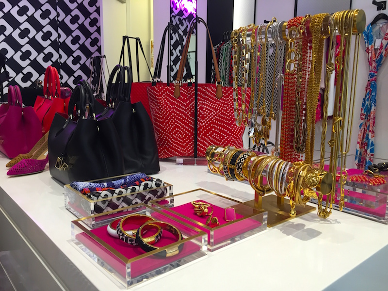 dvf_americana_brand_accessories_style_the_fab_mom