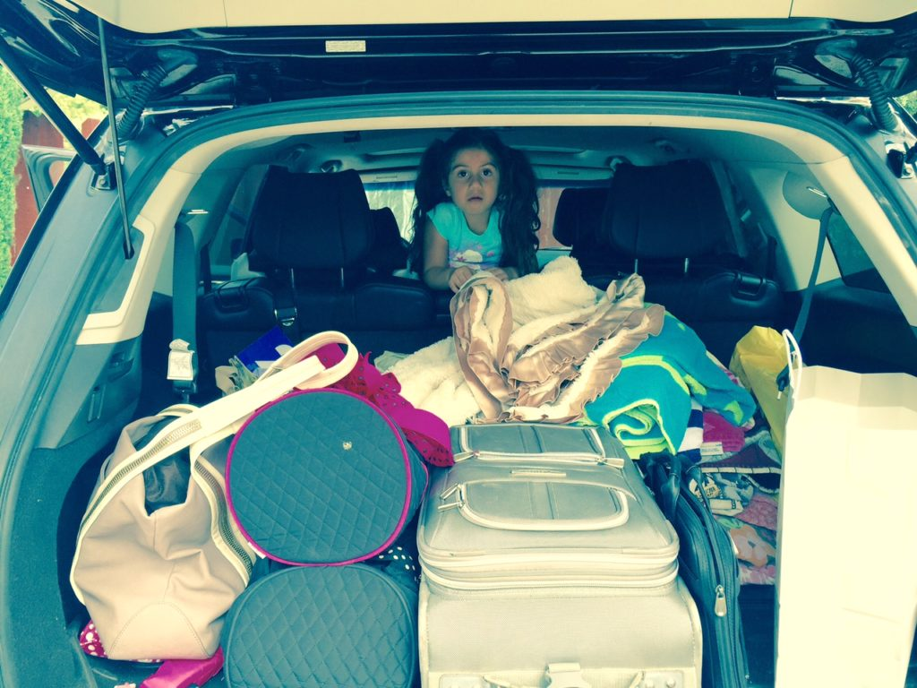 the-fab-mom-tips-for-road-travel-with-toddlers-car