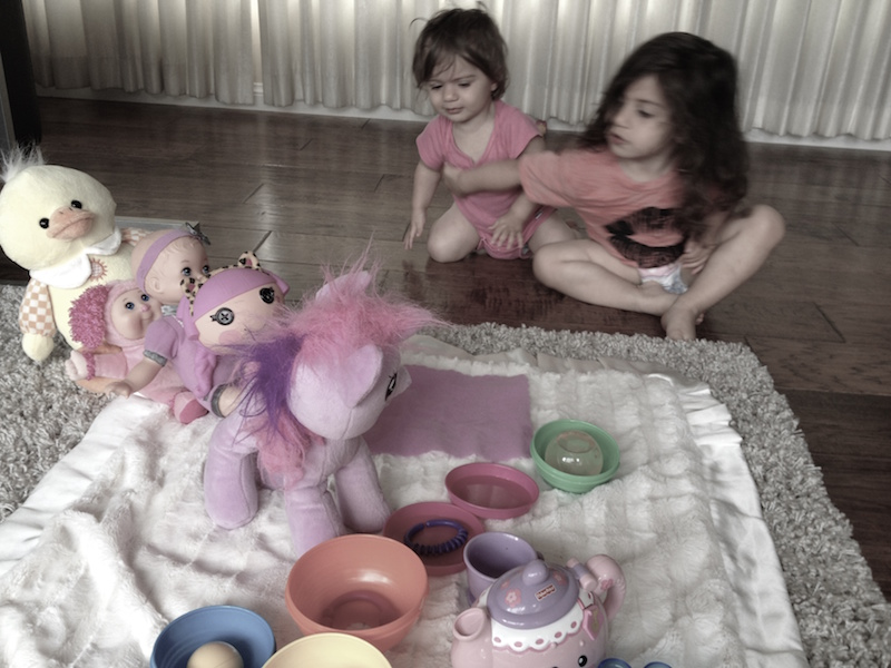 new-motherhood-passing-time-with-toddlers