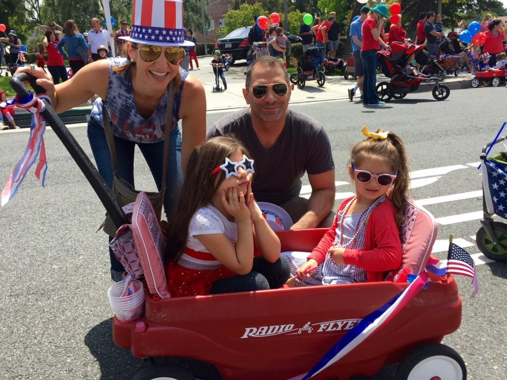 memorial-day-parade-los-angeles-fab-mom-family