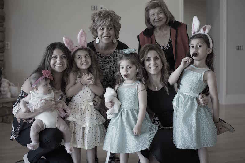 moms-women-daughters-grandmother-4-generations-family
