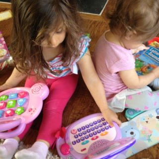 the-fab-mom-toddlers-read-sing-play-first-5