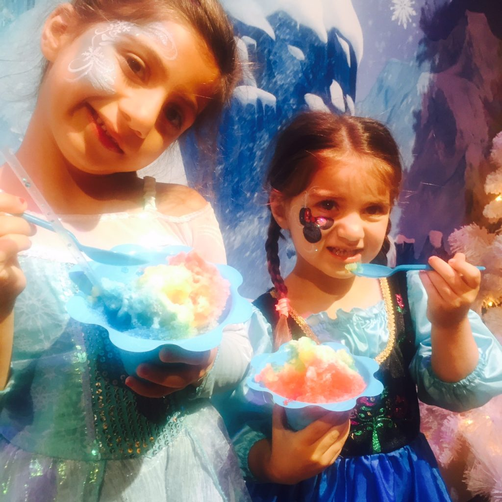 disneyland-frozen-live-hyperion-summer-shaved-ice