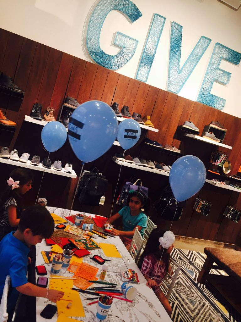 toms-americana-brand-store-shop-childrens-hospital-los-angeles-give