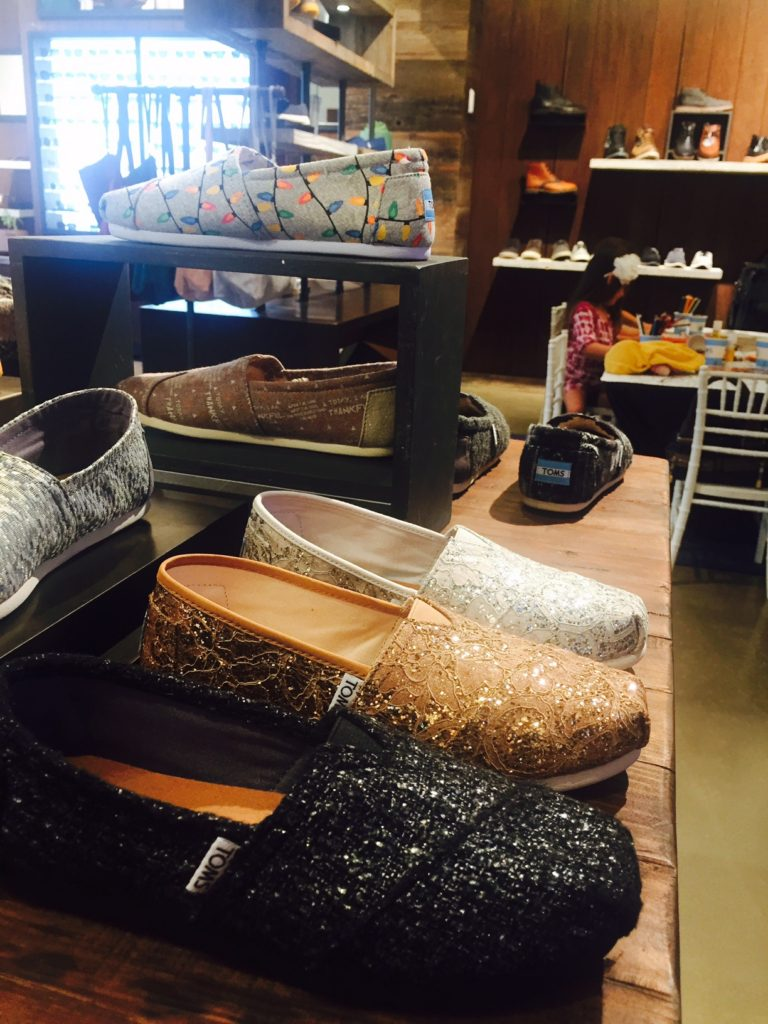 toms-shoes-store-americana-brand-shop-holiday-give