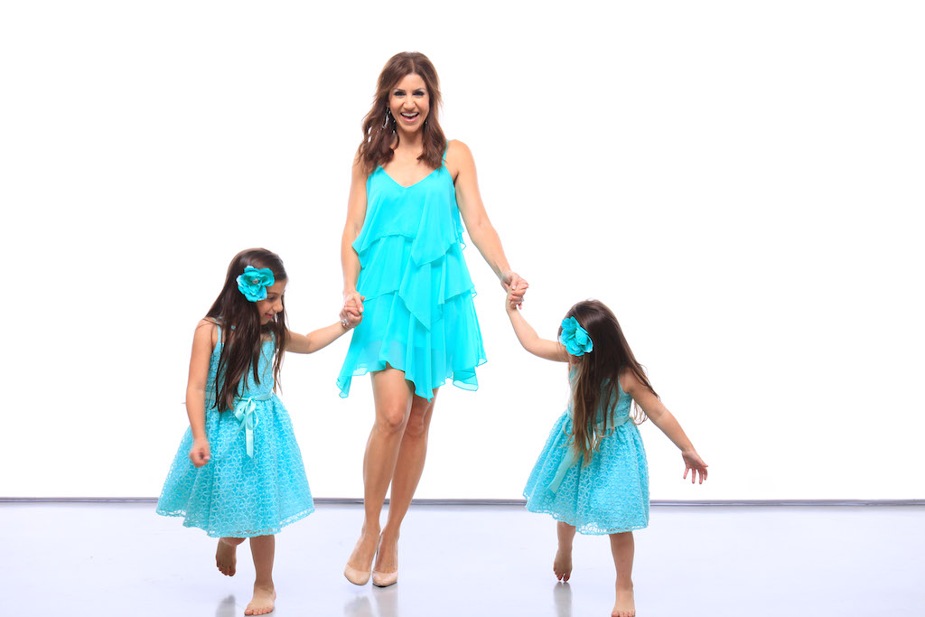 jill-simonian-blink-fab-mom-pictures-sisters