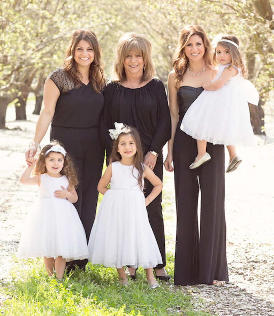 Jill_Simonian_Mom_Sister_Daughters_2015