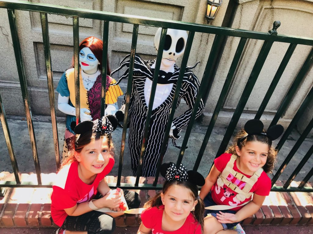 fab-mom-disneyland-halloween-tips-haunted-mansion